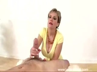 Preview 5 of Lady Sonia - Yellow Top Blowjob