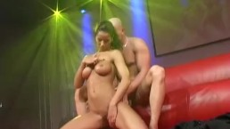 privat couple fucking on public stage
