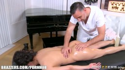 Vicki Chase gets a deep tissue massage - Brazzers