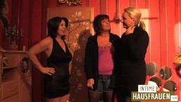 Old lesbian housewifes