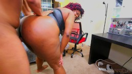 Kyra Rose Lets Her Perverted Step brother Feel How Wet Her Pussy Is - 4K