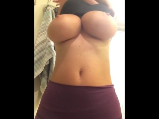 Preview 2 of Friend's Mom Flashes me her Big boobs!